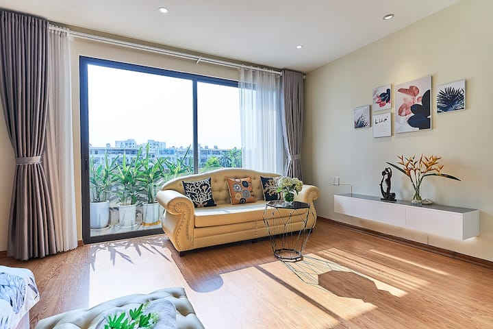 Modern Cozy 2Br with Balcony - pool view