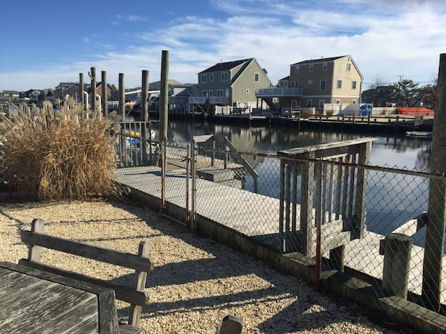 Dockside, lagoon getaway! - Stafford Township - House