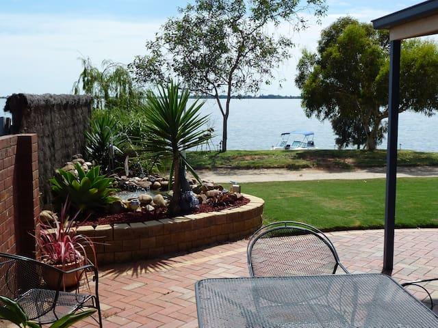 Lake Boga Waterfront Holiday Home