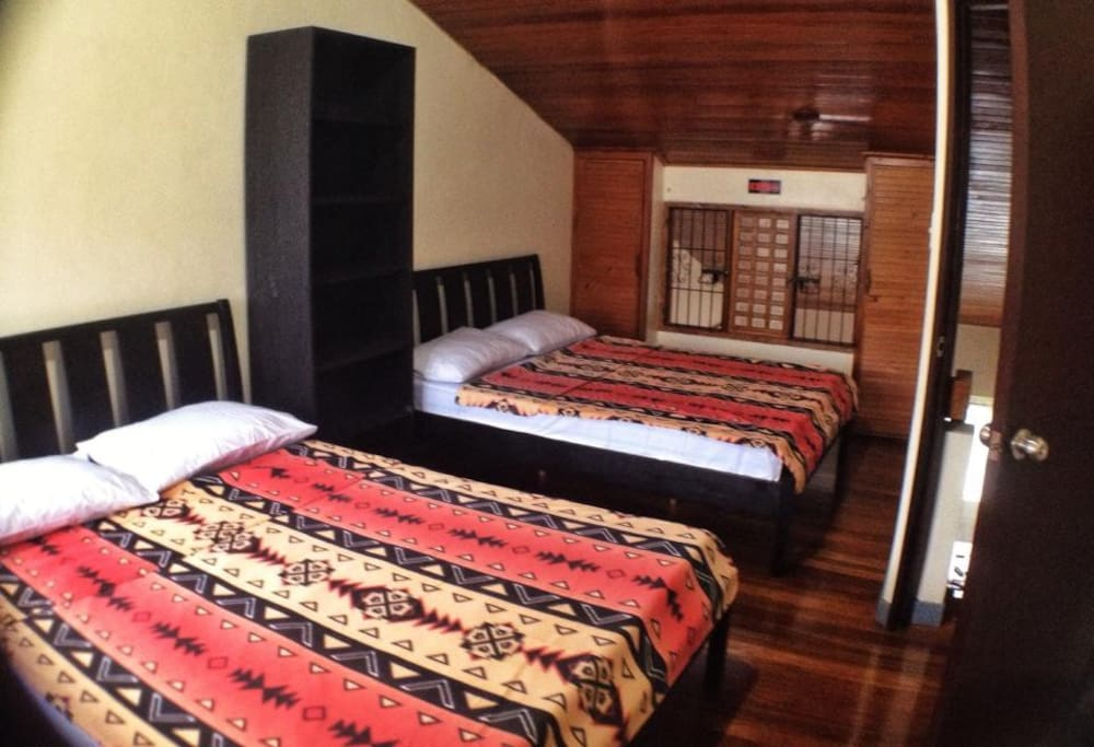 2 Queen-sized beds at the loft