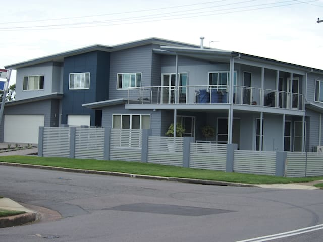 Modern ground floor unit - Stockton - Apartment