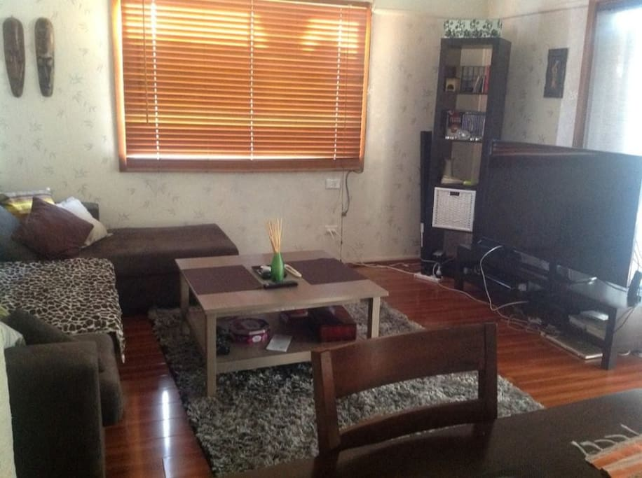 livingroom with tv