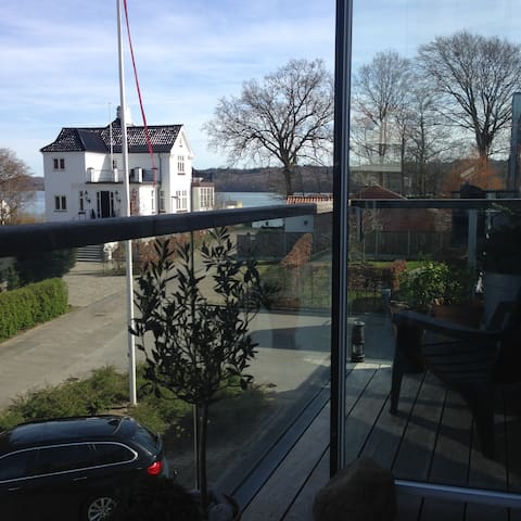 Wonderful penthouse by the fjord - Vejle - Apartamento