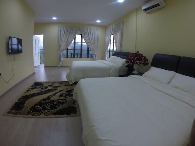 Nur Bougainvillea Homestay Rooms - Kuala Lumpur - Casa