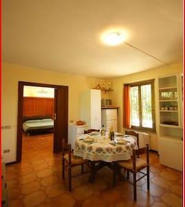 Appartamento in villa;villa/apartm. - Arona - Villa