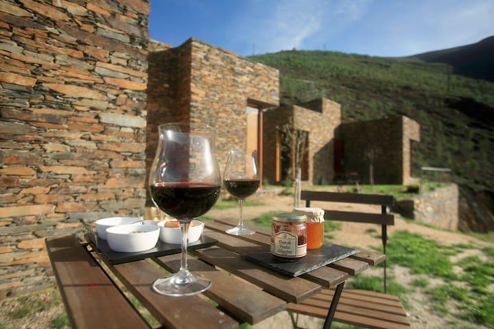 inXisto Lodges - Casa do Açor - Piodão