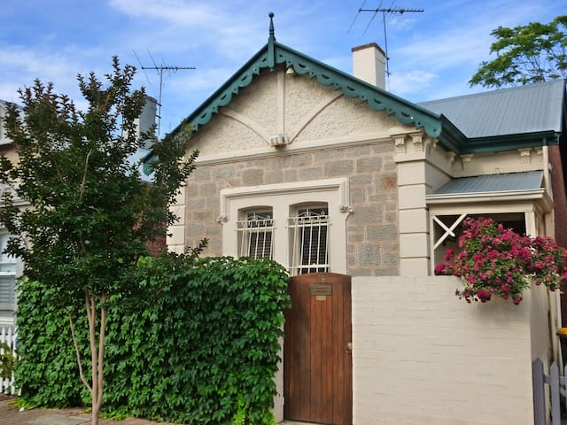Inner city heritage home - North Adelaide - House