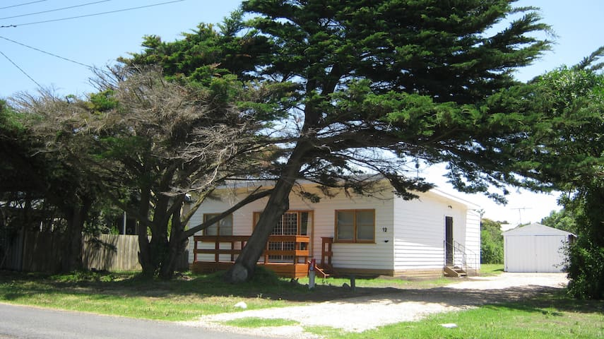Classic Aussie beach shack - Phillip Island - House