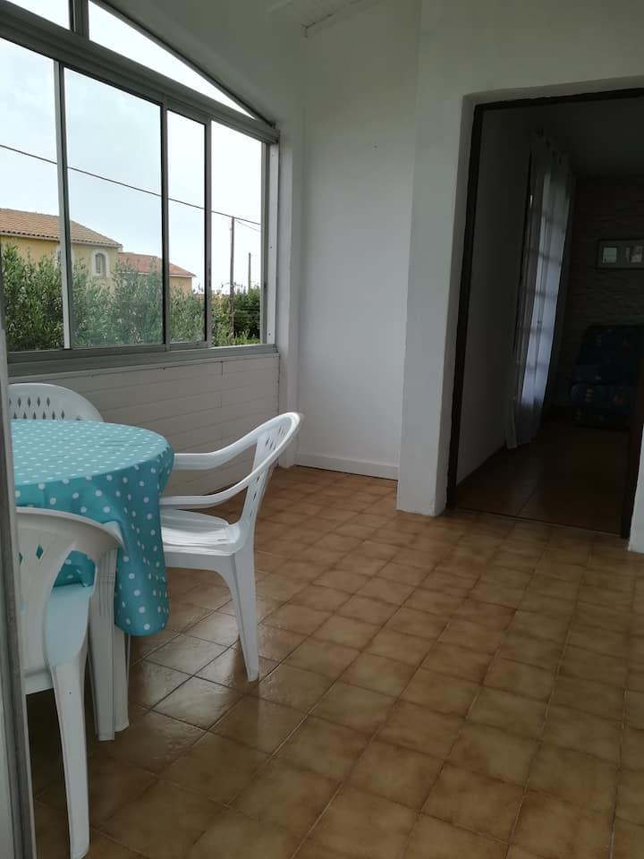appartement 60 m2 dans villa en bord de mer