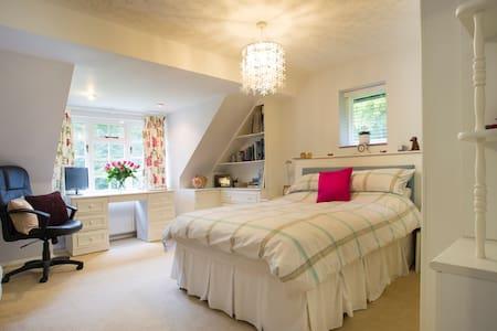 Woodland Retreat - Surrey Hills - East Horsley - Haus