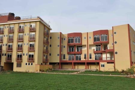One Bedroom 5***** Global Hotel - Kampala