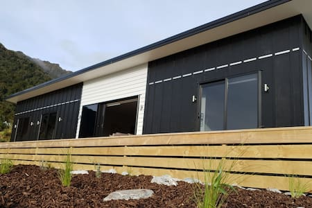 Brand new, three bedroom home - Franz Josef