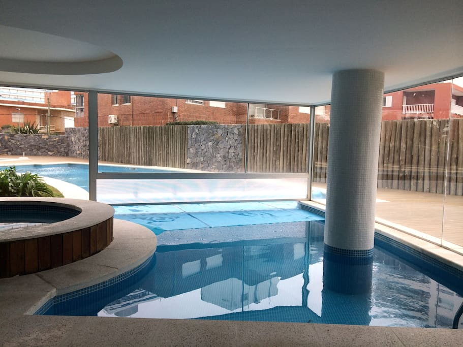The sea at your feet serviced apartments for rent in for Jacuzzi exterior uruguay