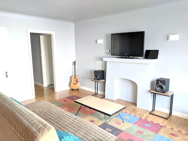 Private Long Beach Apartment Between LA & OC