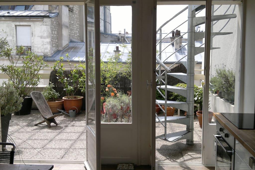 Duplex ensoleill avec terrasse appartements louer for Location appartement avec terrasse paris