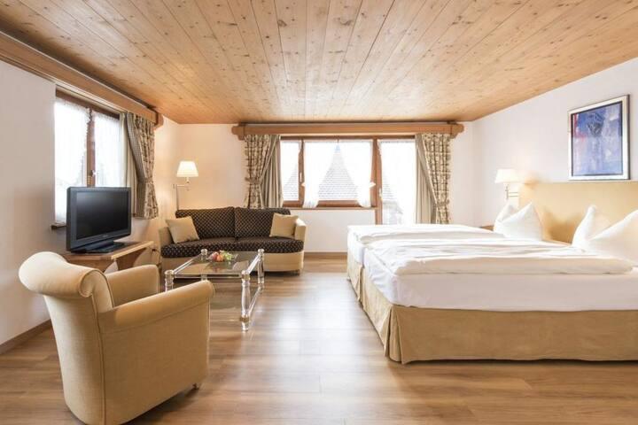 Schönes helles Zimmer im Hotel Steinbock