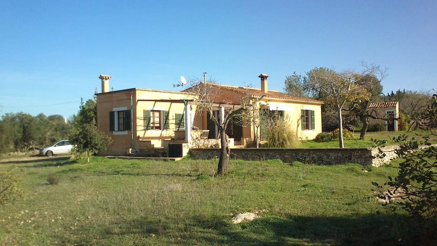 Detached Country house in a privileged location. - Porreres - Rumah