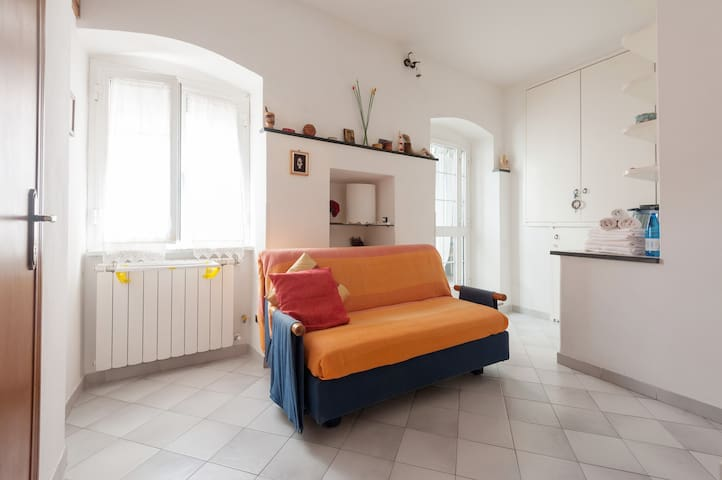 studio, kitchen, fresh breakfast - Corniglia - Apartment