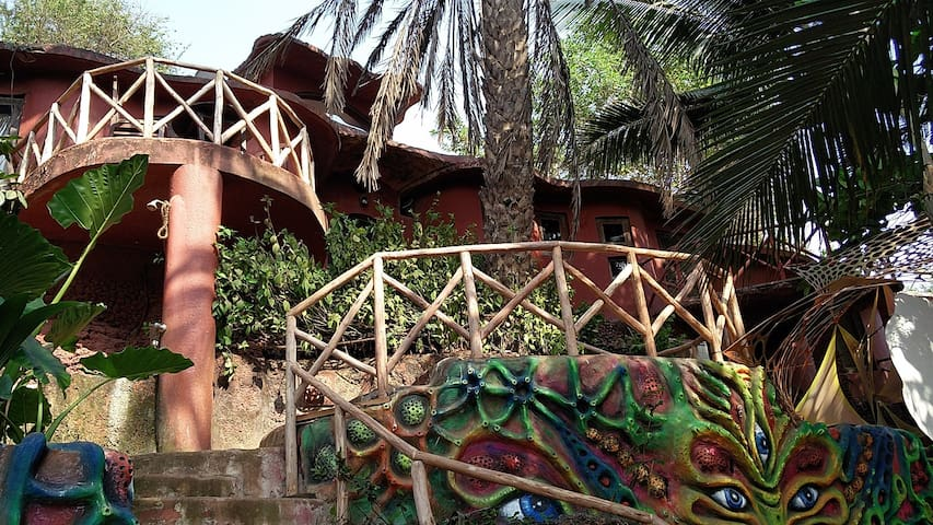 3 BR Quaint Villa on Anjuna Beach - Anjuna