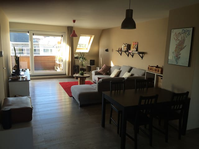 Comfortable apt. in lovely village - Zomergem - Apartemen