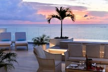 La terrasse au coucher de soleil