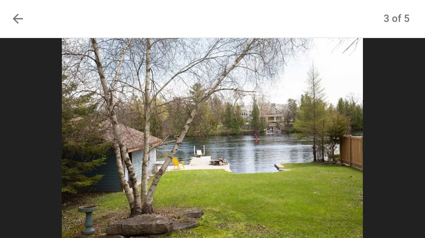 Bobcaygeon waterfront & walking distance to town.