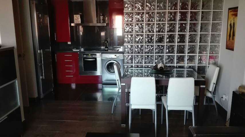 PRECIOSO PISO 2 DORMITORIOS, GARAJE - Logroño - Apartamento