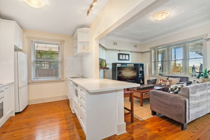 Charming Federation Apartment in Manly (Unit 2) - Manly - Lägenhet