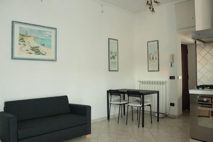 Pretty Little Apartment