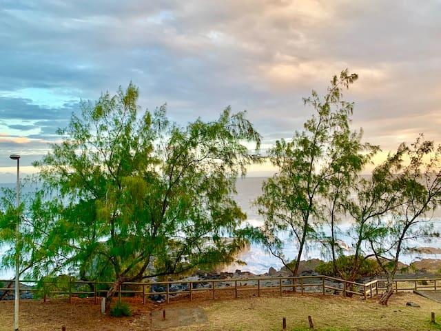 Vue panoramique sur l'océan indien de la villa