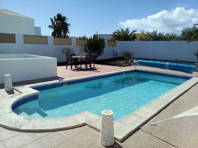 Casa Pride 3 bedroom villa sleeps 6 with wifi pool