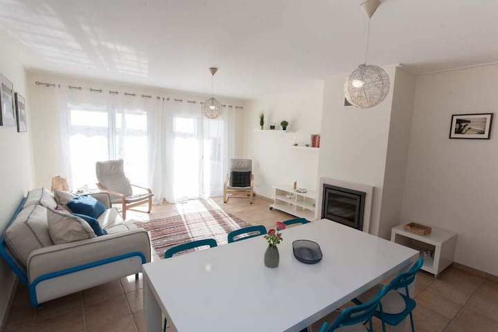 Modern Sea view Apartment Arrifana Beach, Algarve