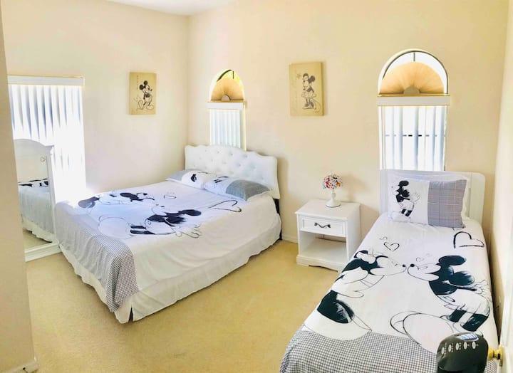 N1 Awesome room close to Disney Orlando FL