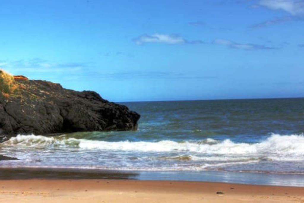 Access to private estate beach