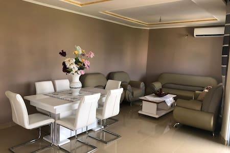 Appartement 2 chambres meublé à Bonamoussadi