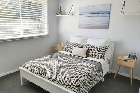 Private room in Hillvue