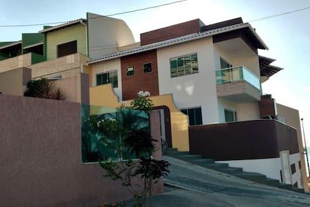 Casa a 50 m do mar em Balneário Iriri Anchieta ES