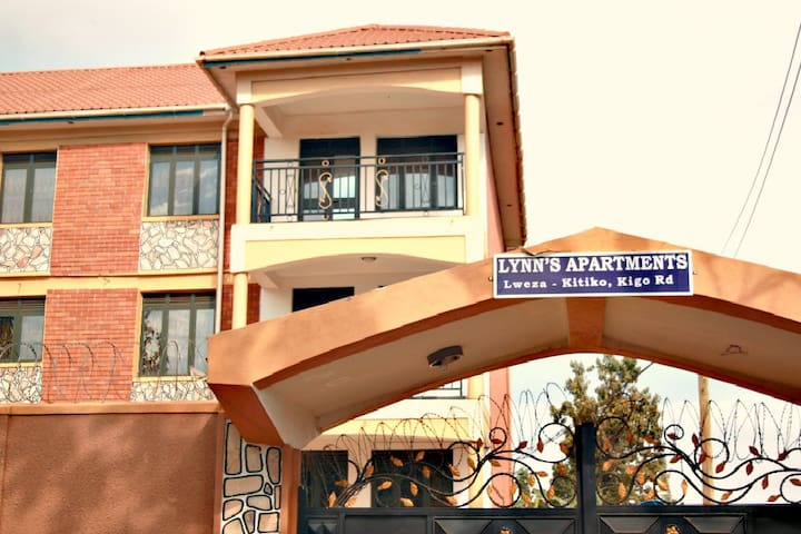 LYNN'S APARTMENTS, Fully Furnished - Kampala - Byt