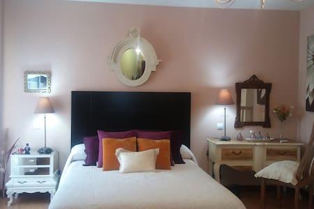 Habitaciones con encanto @ breakfast - Castellanos de Moriscos - Sorház