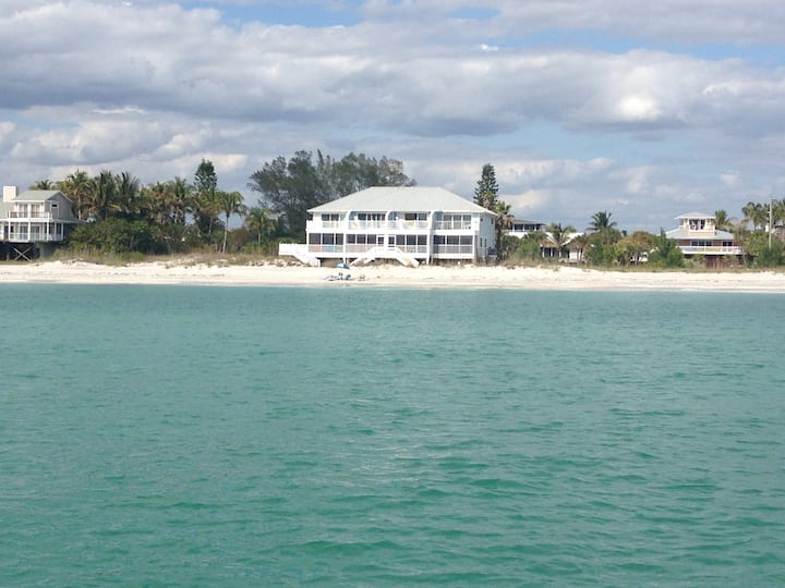 Savannah C -paradise on the beach - 2 bed 2.5 bath