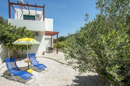 The Sunny house of Drapanias! - Chania - Casa