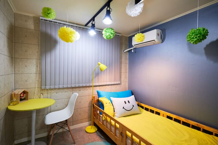 1min*HONGDAE*COZY*single room