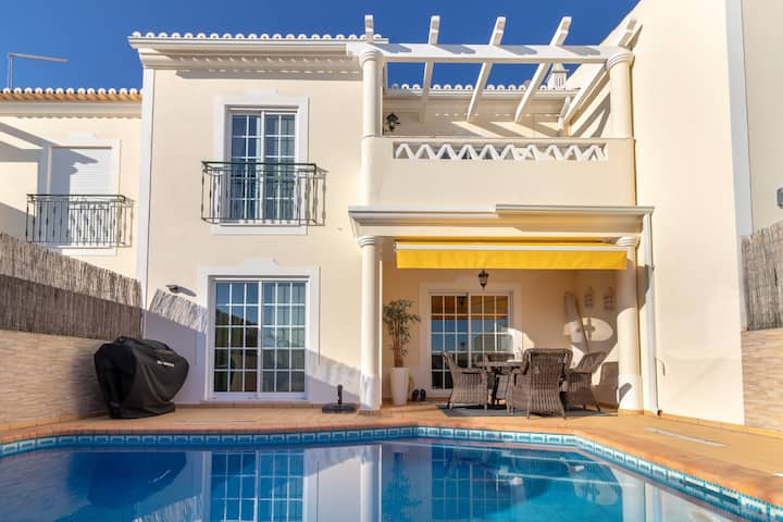Casa Linnea, private pool, walk to beach