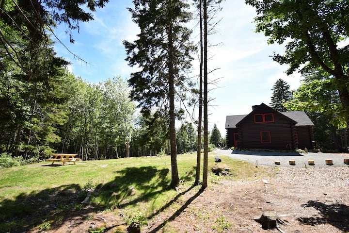 40 Private Acres w/ Firepit Near Acadia