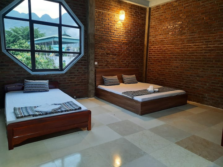 Family Room Mountain View - Vinh Homestay