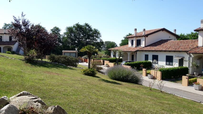 Villa con giardino  max 4+1  ospiti - Filandari
