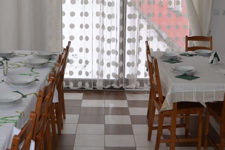 Pokój 3 osobowy z łazienką, TV i WiFi - Stronie Śląskie - Apartment