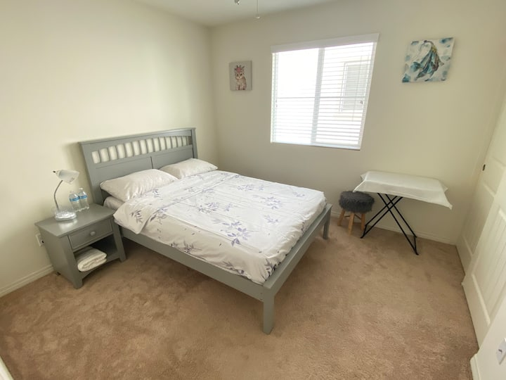 Quiet and comfortable single room (only single)