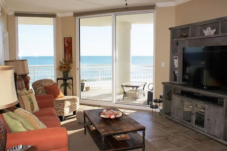 Palacio 302-Beachfront 2BR On Gulf! - 아파트