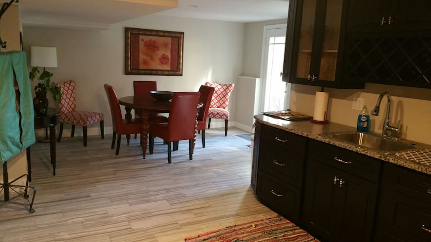 Enjoy Boston's History and Family - Chelmsford - Apartment